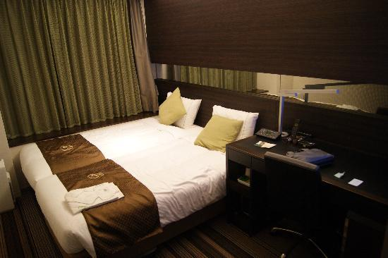 Hotel Brighton City Osaka Kitahama: Twin beds??