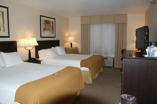 Country Inn & Suites By Carlson, Sioux Falls: comfy rooms