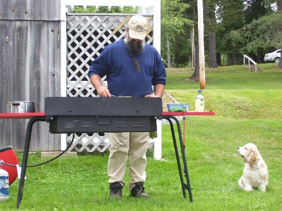 Hunter Cove Cabins on Rangeley Lake: We cooked out just behind the cabin
