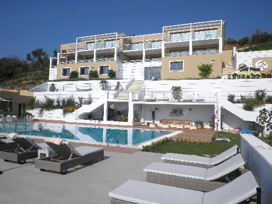 Banana beach picture of skiathos premier hotel troulos for Best hotels in skiathos