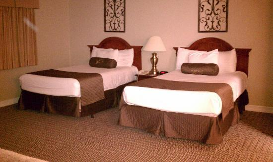 Tuscany Suites & Casino: Beds