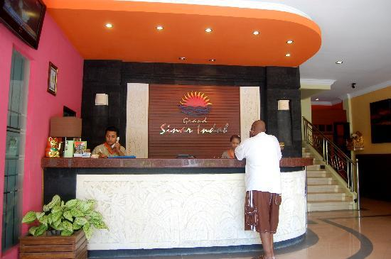 Grand Sinar Indah Hotel: Reception