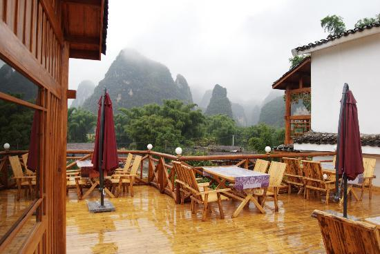 Yangshuo Phoenix Pagoda Fonglou Retreat: beautiful scenery