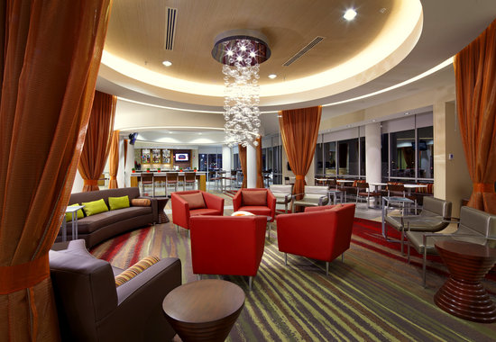 SpringHill Suites Columbus OSU: Welcoming Lobby Area