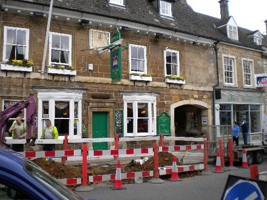 Uppingham, UK: Ignore the roadworks.