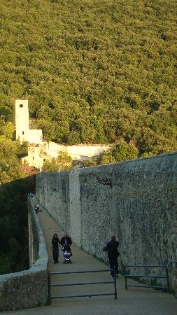 Ponte delle Torri, Spoleto - Italia
