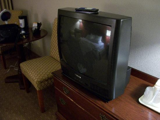 Comfort Inn: Same old TV