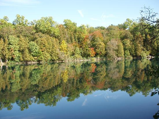 Candlewood Suites Syracuse Airport: Green Lakes - 15-20 minutes from hotel