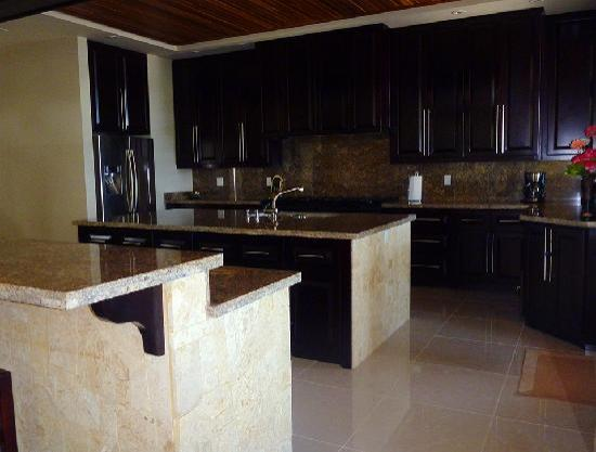 Casa Melray: Luxury amenities at your fingertips.