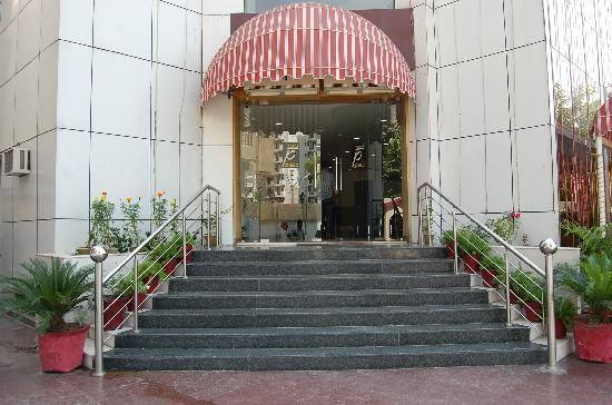 Ghaziabad, India: Hotel Front View
