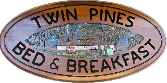 Twin Pines Bed and Breakfast: Be Warm! Be Welcome! Be at Home!