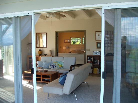 Molokai Hilltop Cottage & West End Studio: view from lanai into cottage