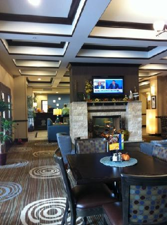 Holiday Inn Express Hotel & Suites Richfield: Lobby