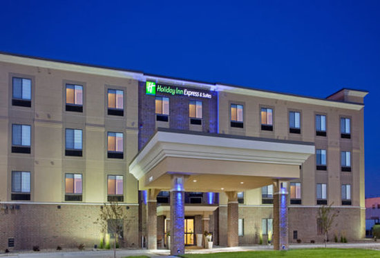 Photo of Holiday Inn Express & Suites Lincoln Airport