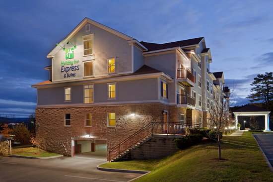 Holiday Inn Express Hotel & Suites Wh