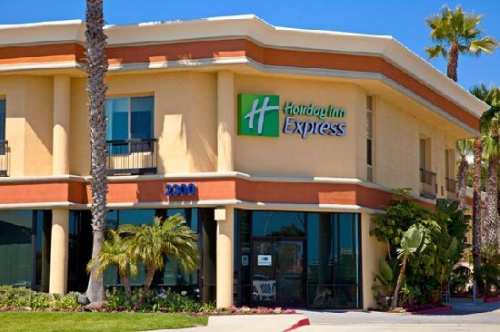 Holiday Inn Express Newport Beach: Hotel on Pacific Coast Highway