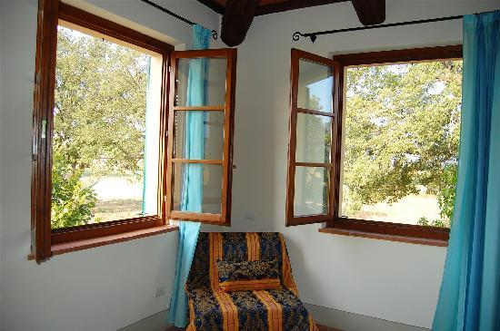 Seven Resort: Bedroom windows