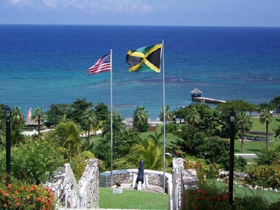 Sandy Bay, Jamaica: Sea view from the Great House pool