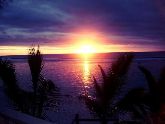 Arorangi, Cook Islands: Sunset from our private deck