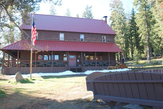 Drakesbad Guest Ranch: The lodge building