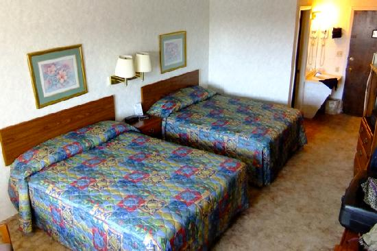 Island Inn Motel: room #260
