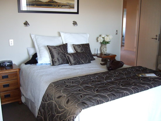 Riverview Terrace: our beautiful room