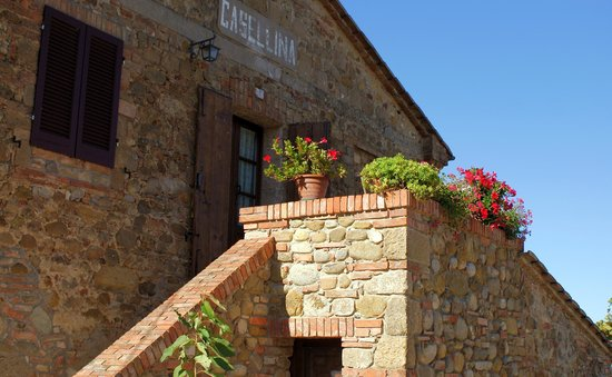 Agriturismo la Casellina: La vecchia insegna