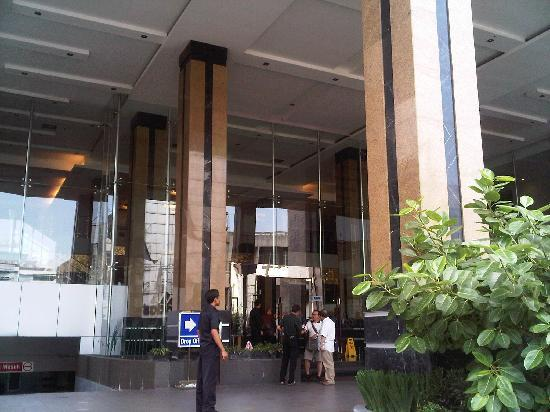 Golden Flower: Hotel lobby entrance