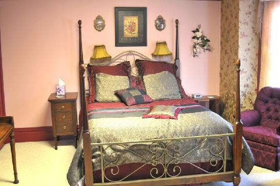 Photo of Rocking Chair Inn Bed and Breakfast Broken Bow