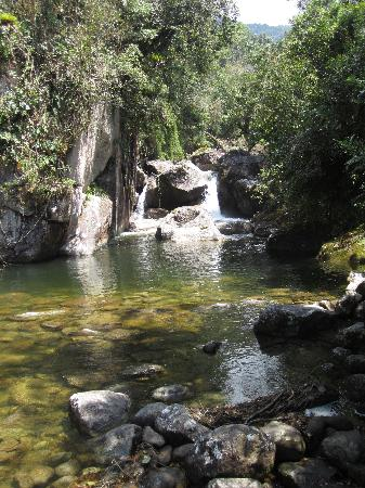 Itatiaia, RJ: Nearby waterfall and stream