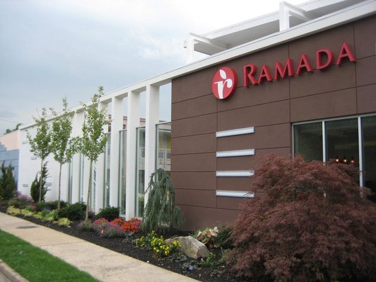 Ramada Inn & Suites of Rockville Centre