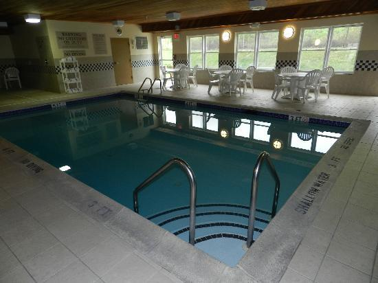 Country Inn &amp; Suites By Carlson, Lehighton: The pool was great