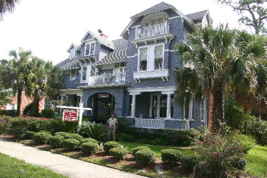 Riverdale Inn: most beautiful house we have ever seen