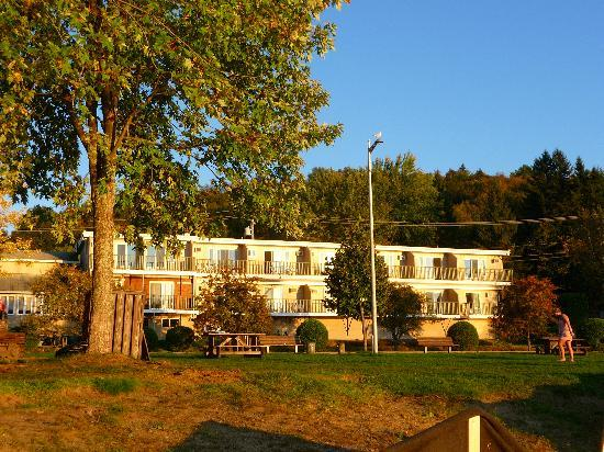 Photo of Auberge La Porte Rouge Mont Tremblant
