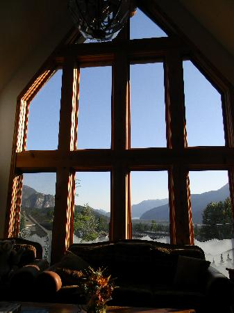 Nu-Salya Bed and Breakfast Chalet (Squamish, British Columbia ...