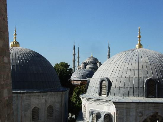 Roof top view towards Blue Mosque - Picture of Hagia ...
