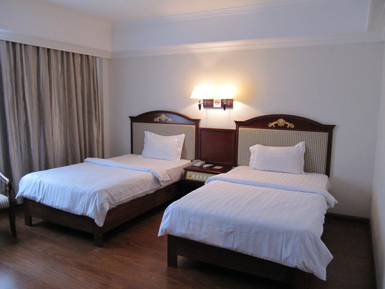 Lux Riverside Hotel &amp; Apartments: Twin Room For USD 45 only