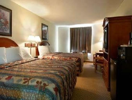 Howard Johnson Inn & Suites - Dorney Park and Allentown: 2 Queen beds
