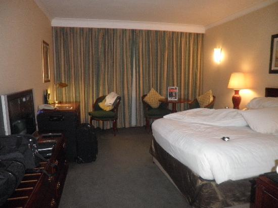 Hilton East Midlands Airport: lovely room