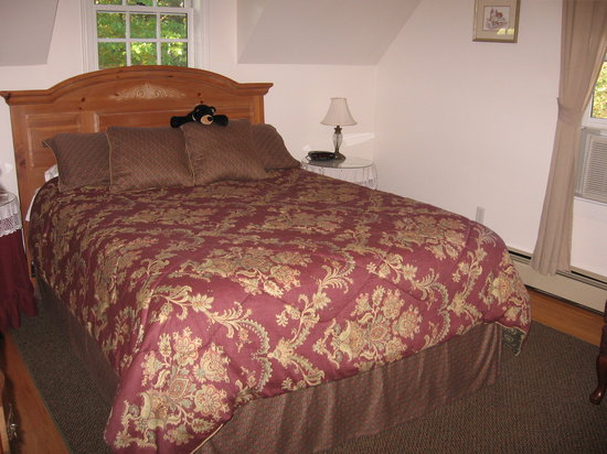 The Cabernet Inn: our bedroom
