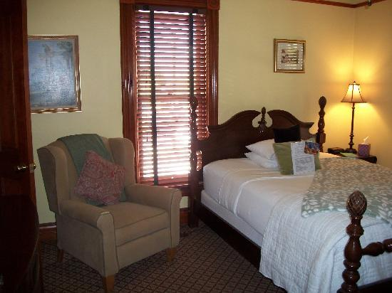 Mauger Estate B&B: Our bedroom on 2nd floor