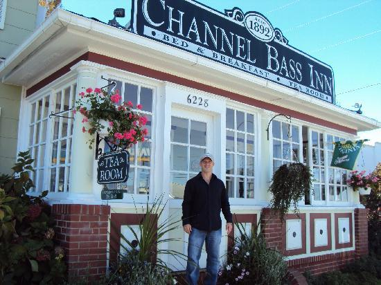 Channel Bass Inn: The view from the front.