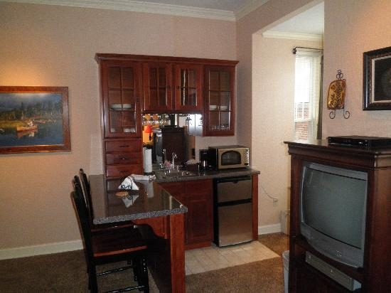 James Gettys Hotel: Part of our suite