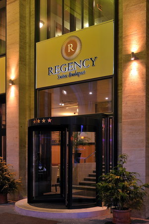 Regency Suites Hotel Budapest : Entrance
