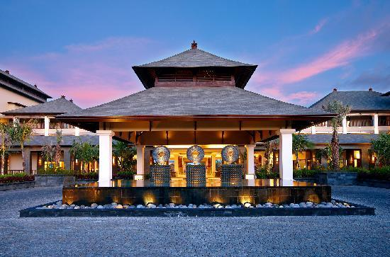 The St. Regis Bali Resort: Porte Cochere