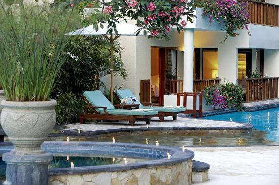 The Laguna, a Luxury Collection Resort & Spa: Lagoon Access Pool Deck