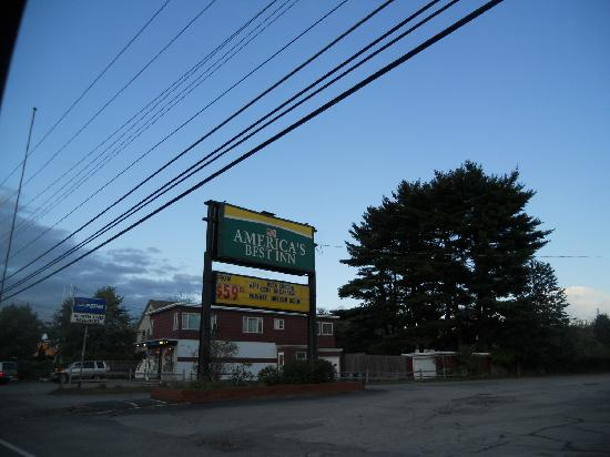 America&#39;s Best Inn Brattleboro: Entrance