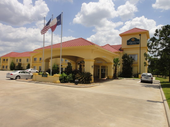 Photo of La Quinta Inn & Suites Conroe