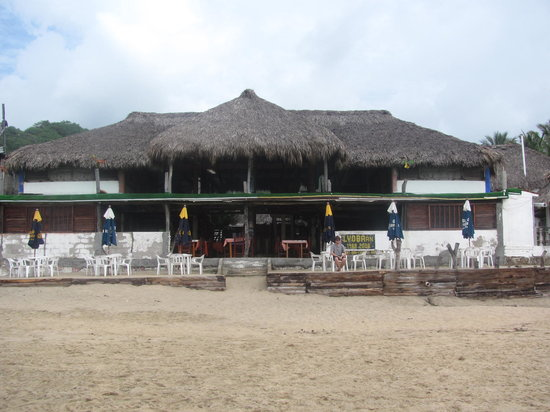 ‪Lyoban Beach Hostel‬