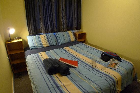 Aspen Lodge Backpackers : double room (share bath)